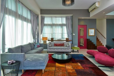 Asian Cosmopolitan Penthouse - Magenta themed sitting room
