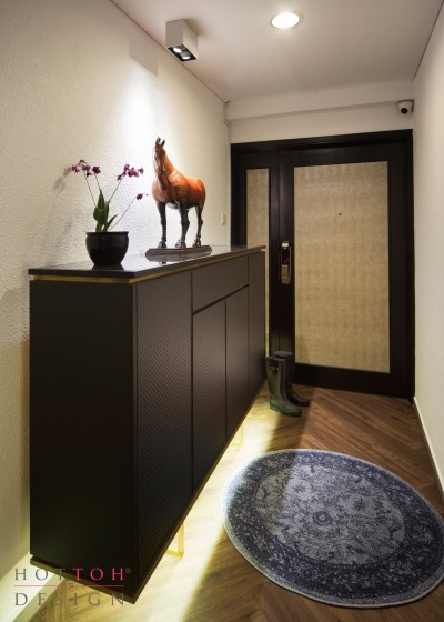 Private Foyer Entrance
